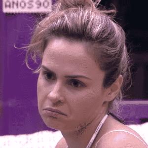 """24.fev.2016 - Ana Paula reclama da apoximação de Geralda no """"BBB16"""" - Reprodução/TV Globo"""