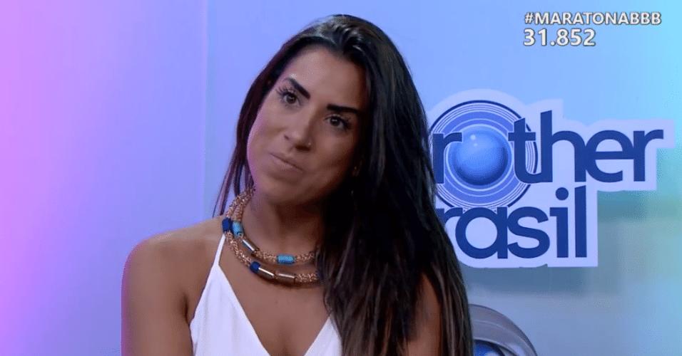 6.abr.2016 - Juliana nega ter indicado Ana Paula para o paredão a fim de proteger o Daniel, no