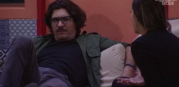 "Vivian conversa com Ilmar no ""BBB17"""