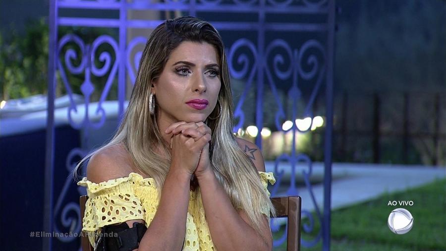 """Ana Paula Minerato aguarda resultado da oitava roça de """"A Fazenda 9"""" - Reprodução/Record"""