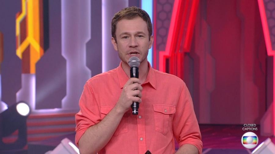Tiago Leifert fala com o público sobre o paredão da semana  - Reprodução/TvGlobo