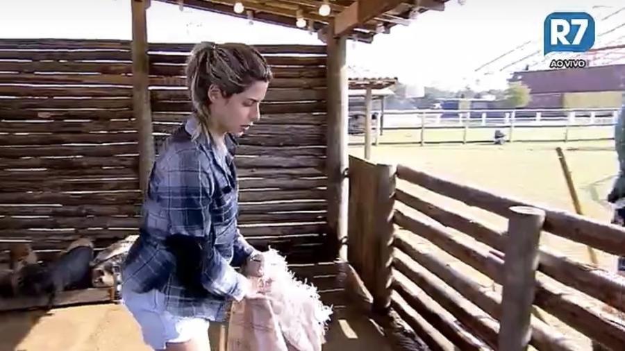 Ana Paula avisa que peões ficarão 10 horas sem gás - Reprodução/R7