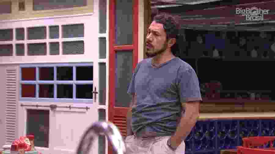 Rômulo fala sobre o casal Marcos e Emilly - Reprodução/TV Globo