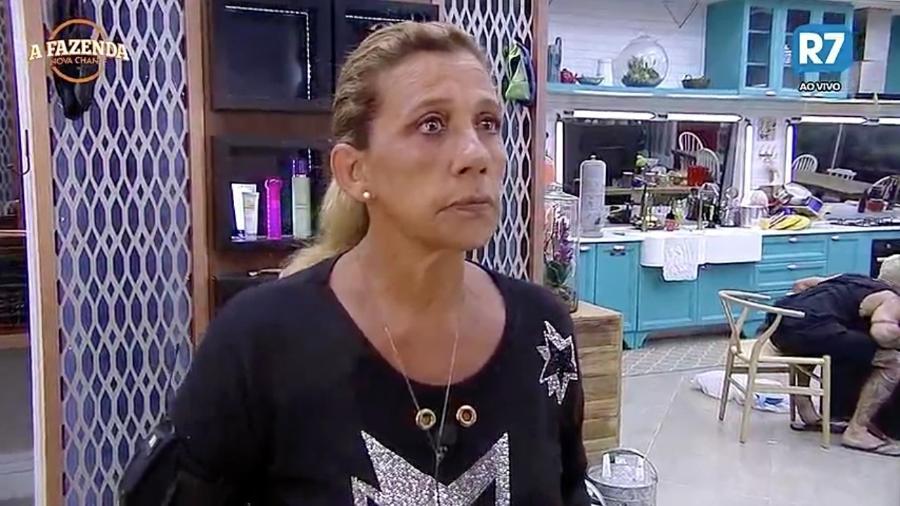 Na roça, Rita Cadiilac diz estar triste - Reprodução/R7