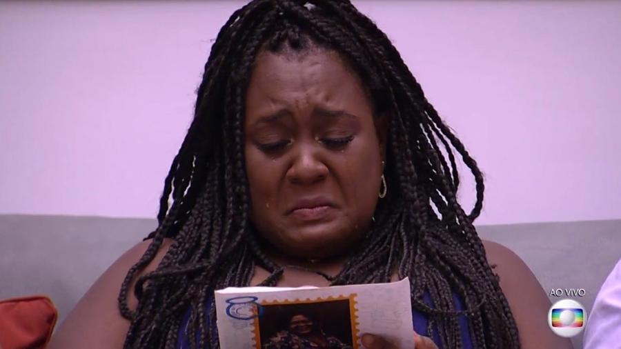 Roberta chora ao saber do resultado do sétimo paredão - Reprodução/TV Globo
