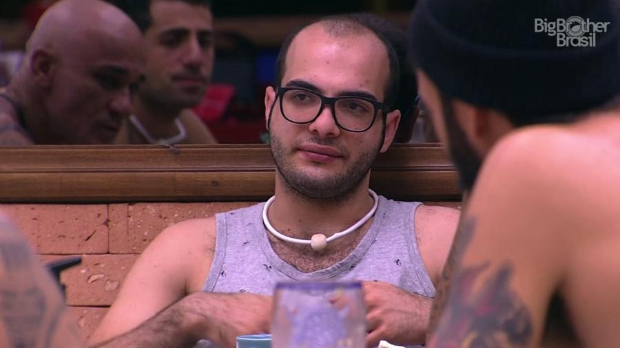 Mahmoud reclama de pedido feito pela produção do programa  - Reprodução/GloboPlay