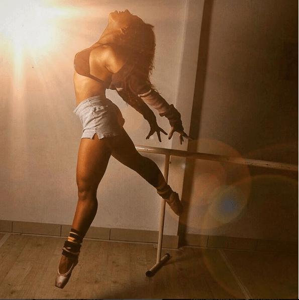 """A bailarina Gabriela Flor, participante do """"BBB17"""""""