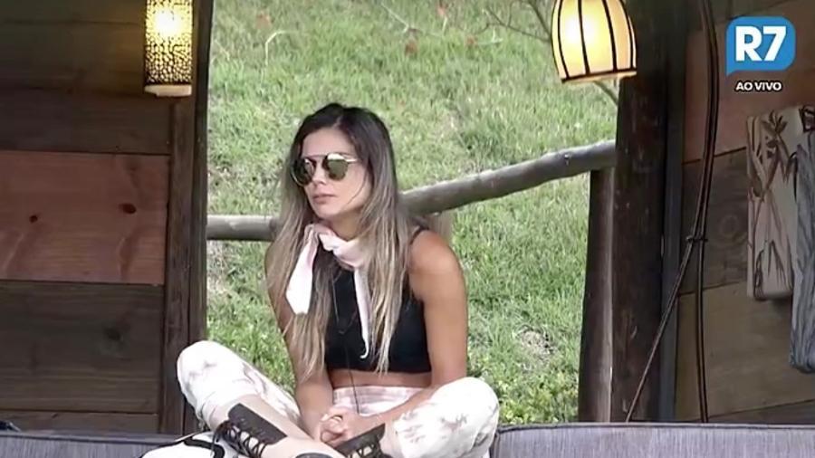 Flávia Viana reclama de atitude de Monique Amin - Reprodução/R7