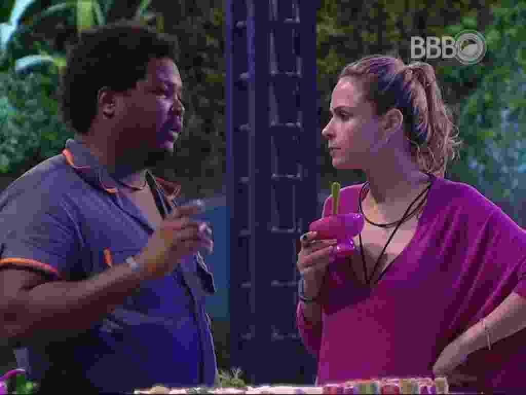 24.jan.2016 - Ronan diz à Ana Paula que vai votar em Harumi - Reprodução/ TV Globo