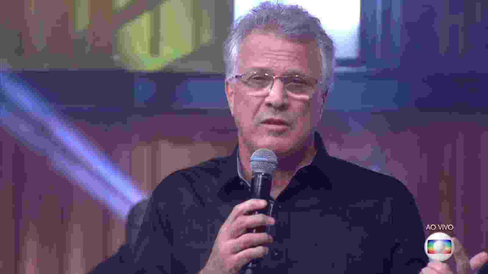 """5.abr.2016 - Pedro Bial avisa que as inscrições para o """"BBB17"""" começam em maio - Reprodução/TV Globo"""
