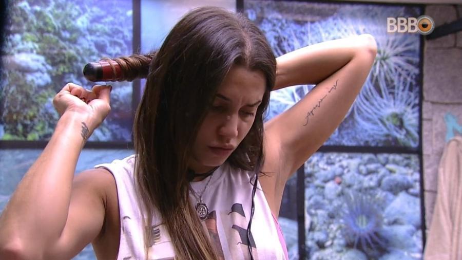 Paula especula paredão da semana com Ana Clara e Gleici - Reprodução/Globoplay