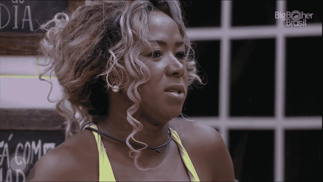 """29.fev.2016 - Adélia promete enfrentar Ana Paula quando se sentir ofendida: """"Não vou continuar agindo como um rato"""" - Reprodução/TV Globo"""