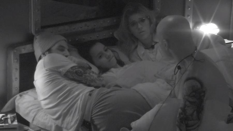 Família Lima, Gleici e Wagner conversam no quarto submarino - Reprodução/Gshow