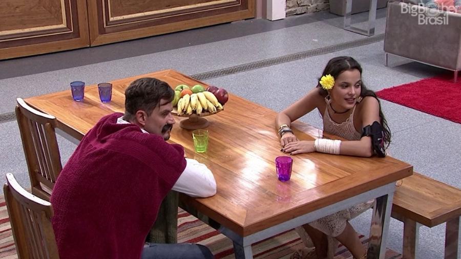 """Emilly e Marcos falam sobre Daniel no """"BBB17"""" - Reprodução/TV Globo"""