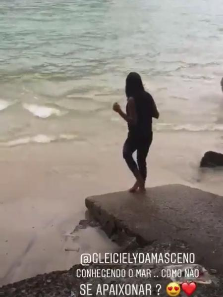 Irmã de Gleici conhece o mar do Rio de Janeiro  - Reprodução/Instagram