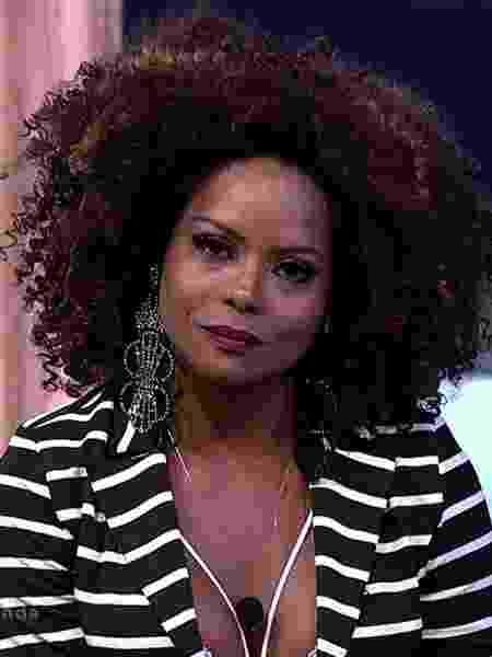 Adriana Bombom nega que tenha ficado com Monique Amin - Reprodução/R7