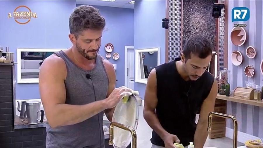 """Marcos e Matheus comparam """"BBB"""" com """"A Fazenda""""  - Reprodução/R7"""