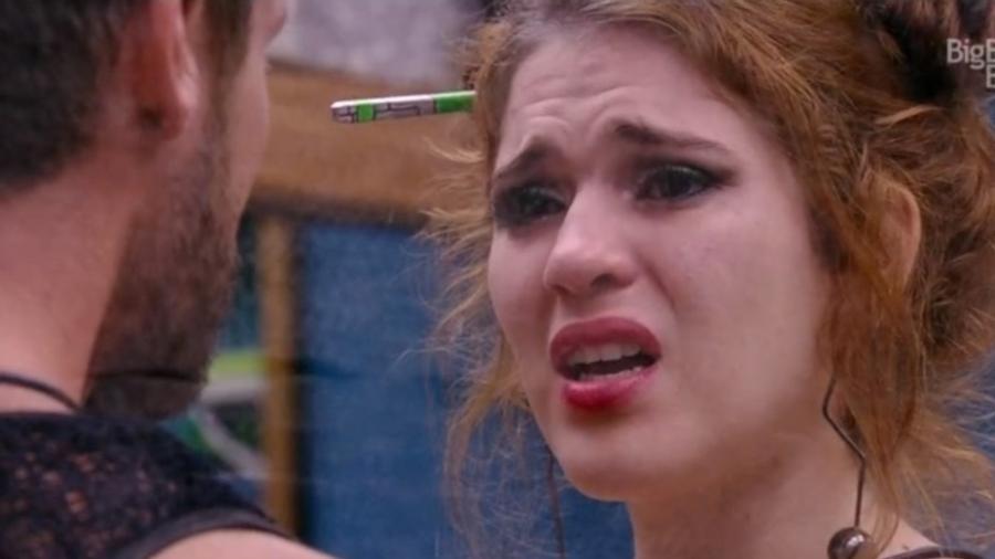 Ana Clara chora durante conversa com Breno  - Reprodução/GloboPlay