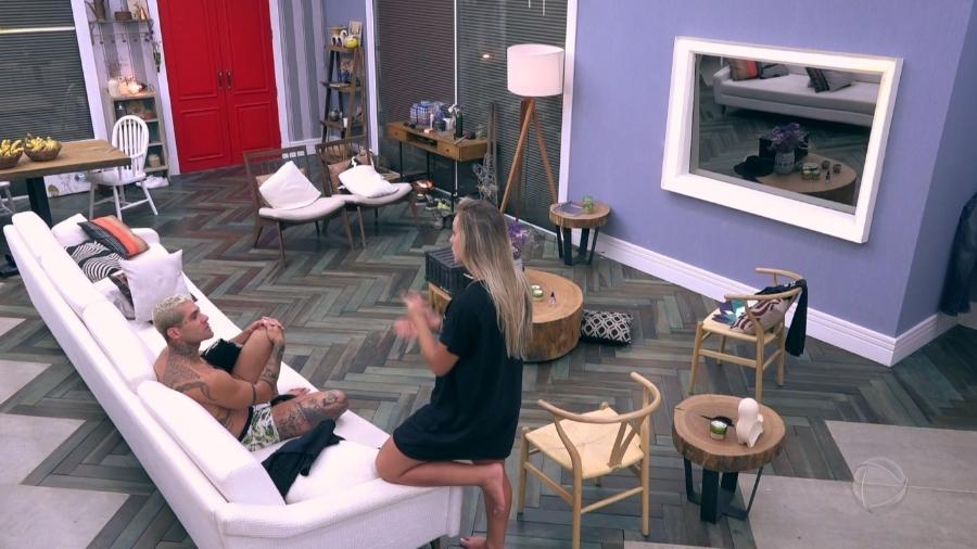 Monick e Yuri brigam após prova da chave - Reprodução/Record