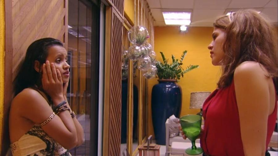 Ana Clara e Gleici conversam sobre Breno e Paula - Reprodução/Tv Globo