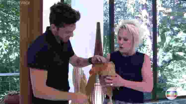 Ana Maria Braga presenteia Luiz Felipe com falinha após ele discutir na casa por um ovo - Reprodução/TV Globo - Reprodução/TV Globo