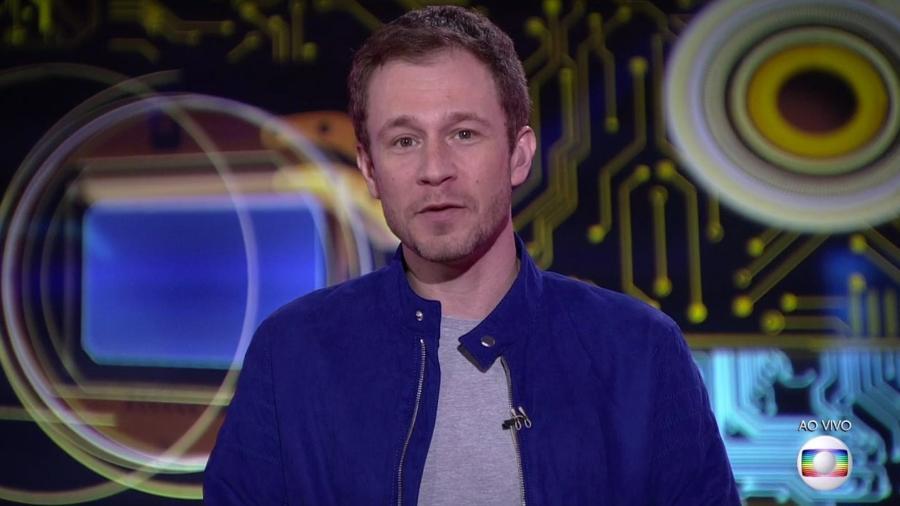 Tiago Leifert anuncia que prova do líder será disputada em duplas - Reprodução/TvGlobo