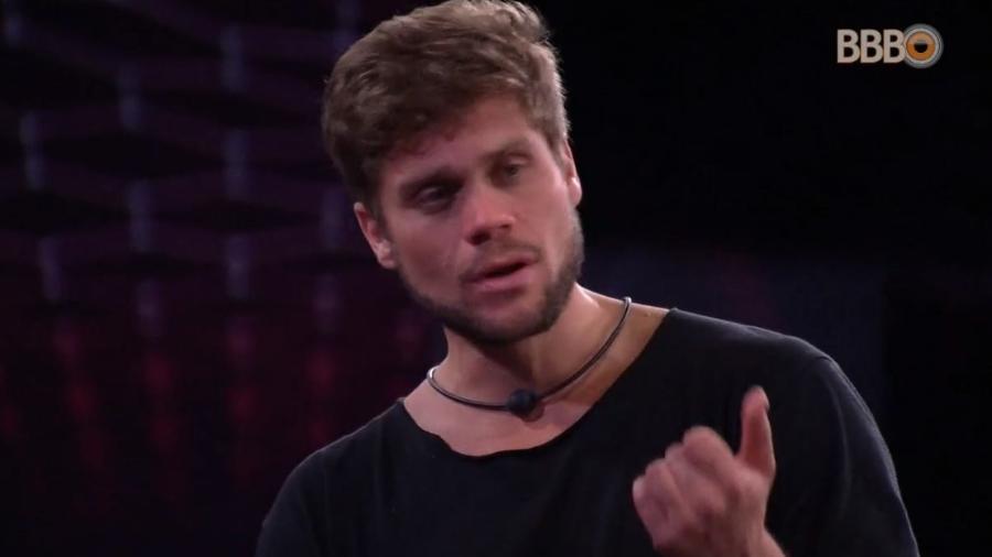 Breno critica Lucas e Jaqueline durante prova de resistência - Reprodução/Globoplay