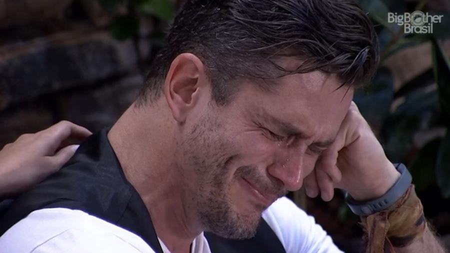 Marcos chora às vésperas do paredão - Reprodução/TV Globo