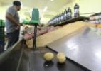 Com medo de desabastecimento, pernambucanos correm para supermercados - Reprodução/TV Jornal