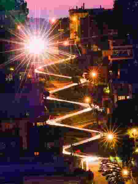 "Lombard Street é famosa como a rua ""mais torta do mundo"" - David Yu/Flickr/Creative Commons"