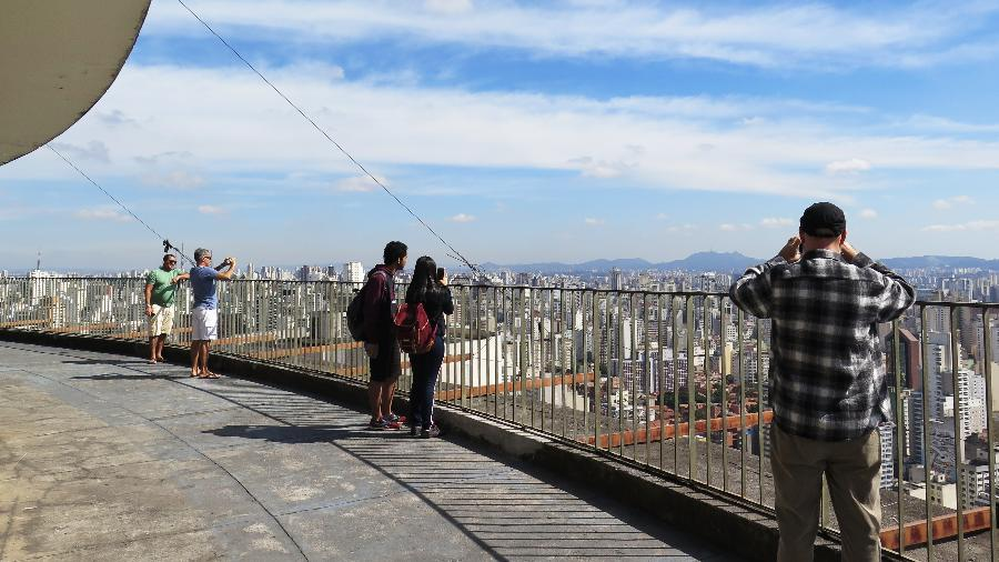 O terraço do Copan é aberto para visitas gratuitas e proporciona uma vista panorâmica da cidade e de outros prédios históricos. - Laise Guedes