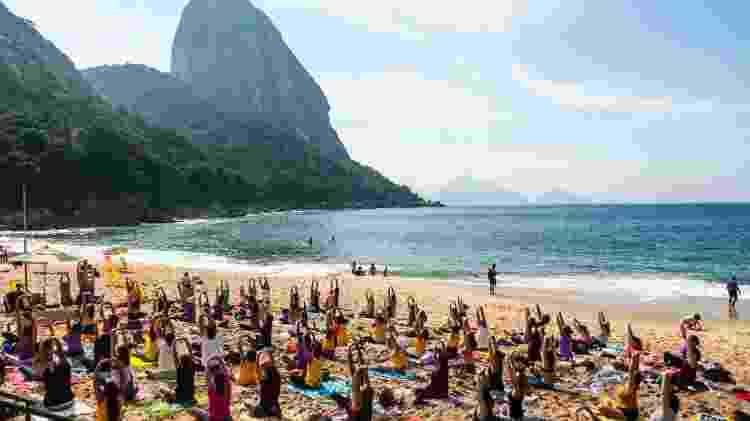 Programa Yoga na Maré na Praia - Diogo Felix/Divulgação - Diogo Felix/Divulgação