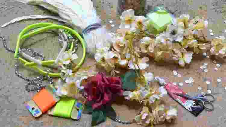 Flores para fantasia de Carnaval em loja da 25 de Março - Daiana Dalfito / UOL - Daiana Dalfito / UOL