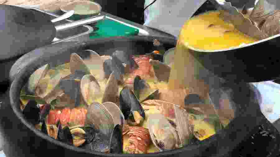Moqueca feita por Luciana Berry, chef brasileira que mora em Londres, durante o Taste of London - Luiza Sahd / UOL