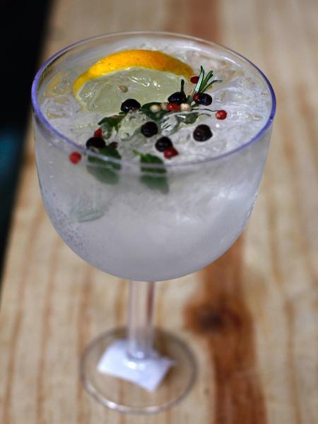Gin Tônica da destilaria San Basile - André Porto