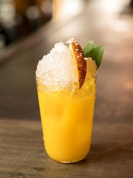 Drinque leva manga, limão-cravo e xarope de castanha-do-pará - Henrique Peron/Divulgação