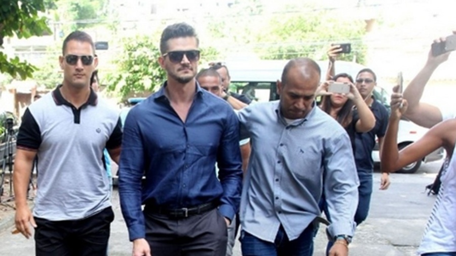 Ex-BBB Marcos depõe em delegacia da mulher no Rio de Janeiro; ele foi expulso de reality - Marcello Sá Barreto/AgNews