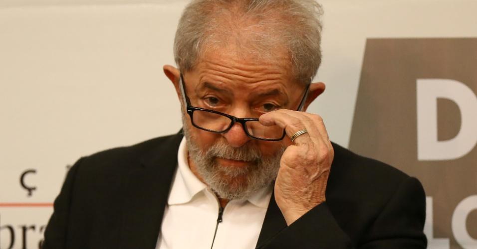 O ex presidente Lula, acompanhado da presidente do PT, senadora Gleisi Hoffmann, do governador do PI, Wellington Dias, do ex-prefeito de SP Fernando Haddad, dentre outras autoridades, participa de Ato em Defesa das Universidades Públicas e Institutos Federais, em Brasília