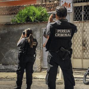 Agentes da Polícia Civil na reprodução simulada das mortes no Fallet - Thathiana Gurgel / DPRJ