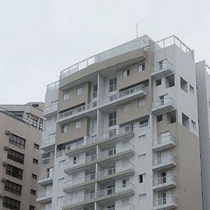 Prédio no Guarujá (SP) que já pertenceu a Bancoop
