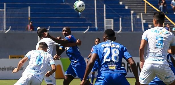 Londrina chegou à final da Primeira Liga ao bater o Cruzeiro, na disputa de pênaltis