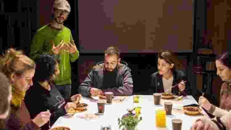 Izzeldin Bukhari dirige o Sacred Cuisine, onde homenageia os produtos locais da Palestina - Tessa Fox