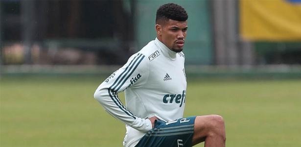 Juninho se tornou o primeiro nome a substituir Yerry Mina e Edu Dracena na zaga - Cesar Greco/Ag. Palmeiras/Divulgação