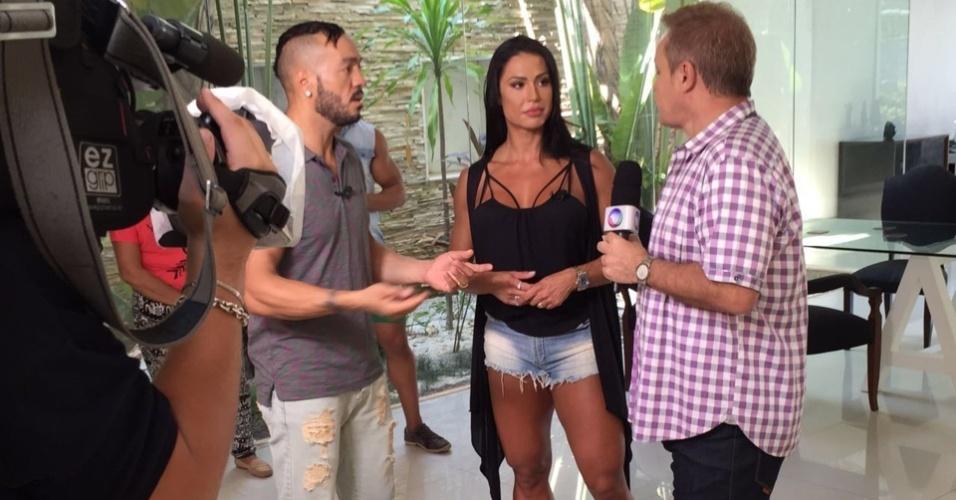 Gracyanne e Belo dão entrevista a Gugu