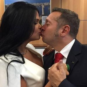 """Uma das fotos da ex-miss bumbum Milena Santos publicadas no """"ensaio"""""""