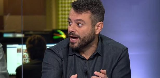 'Não tá comemorando?' | Goleiro do Fla deixa repórter da Globo em saia-justa