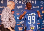 Tranquilidade e treinos. Sassá muda postura nos primeiros dias de Cruzeiro - Alisson Guimarães/Cruzeiro