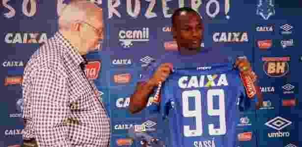 Atacante Sassá tem se destacado nos treinos do Cruzeiro e pode ser relacionado - Alisson Guimarães/Cruzeiro