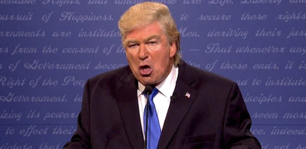 Alec Baldwin fez graça com o cabelo e com o temperamento de Donald Trump, na nova temporada do programa Saturday Night Live