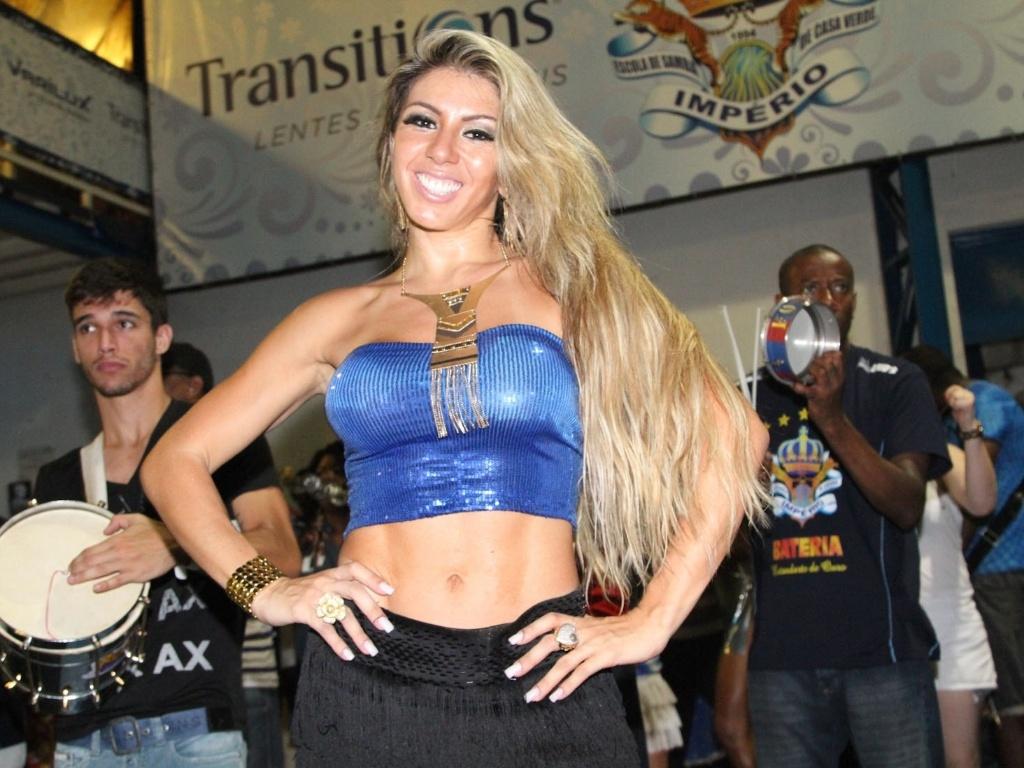 15.dez.2012 - Andrea Andrade participou do ensaio da Império de Casa Verde na quadra da escola em São Paulo